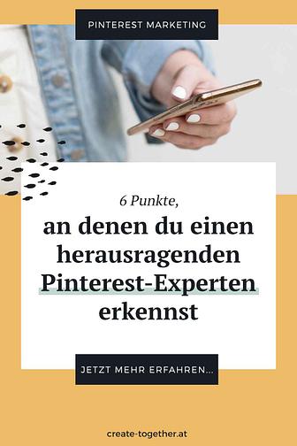 """Frau mit Smartphone in der Hand,, Textoverlay """"6 Punkte, an denen du einen herausragenden Pinterest-Experten erkennst"""""""